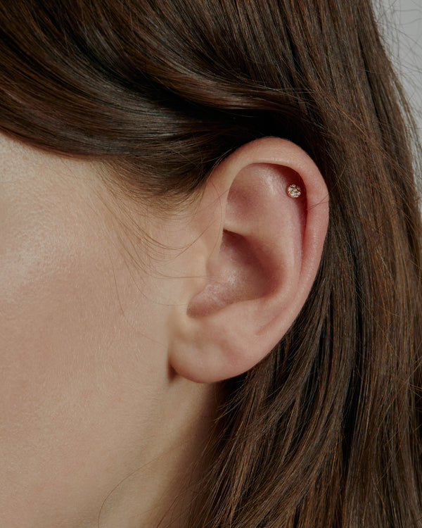 Glitter Disc Cartilage Earring Gold | Sarah & Sebastian onBody