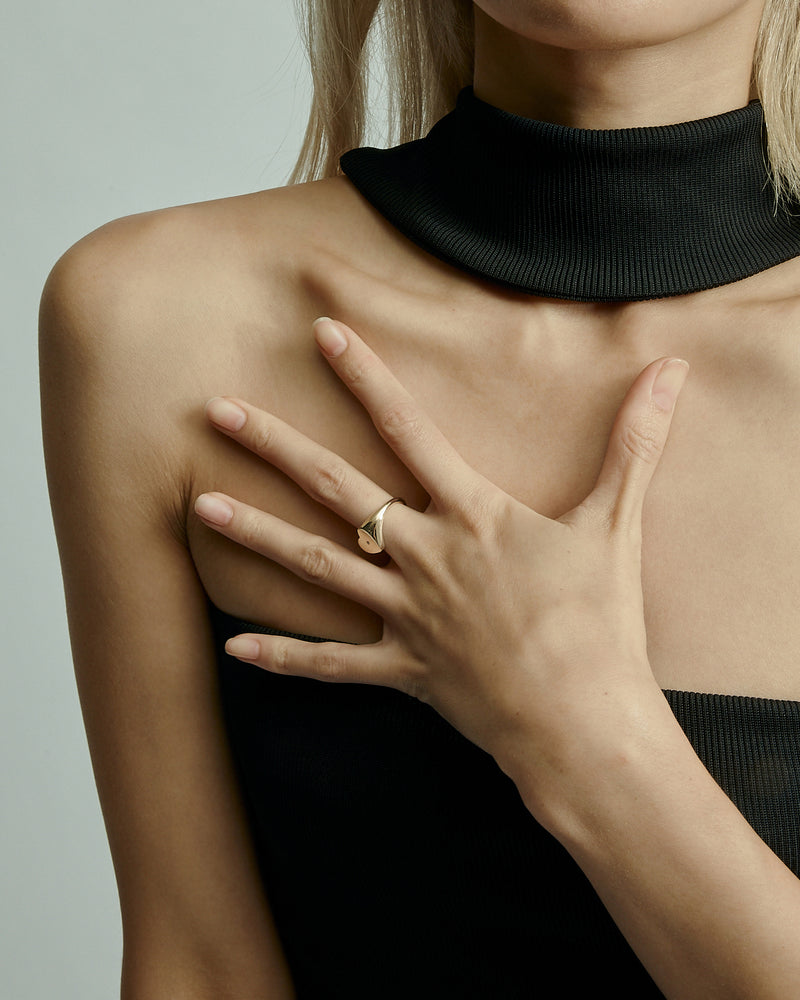 Heart Diamond Signet Gold | Sarah & Sebastian onBody