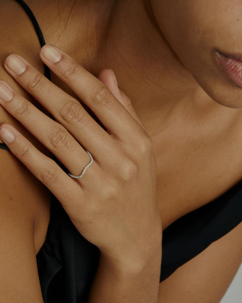 Infinite Wave Diamond Ring White Gold | Sarah & Sebastian onBody