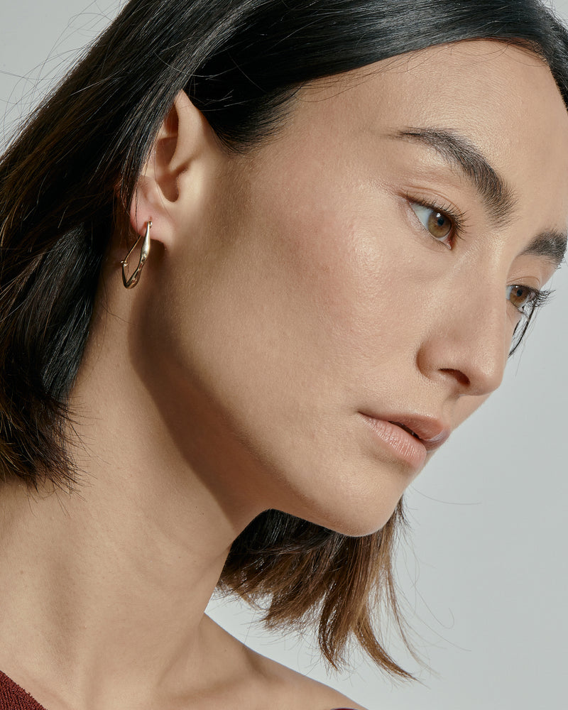 Large Form Earrings Gold | Sarah & Sebastian onBody