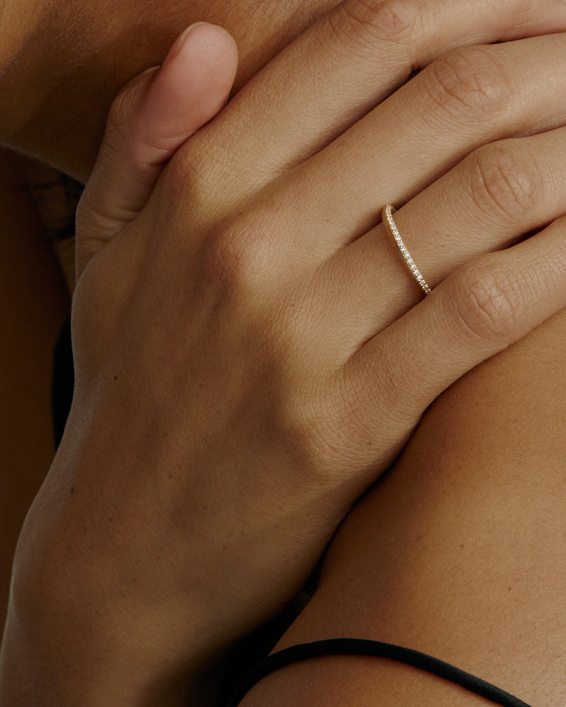 Moebius Diamond Ring Gold | Sarah & Sebastian onBody