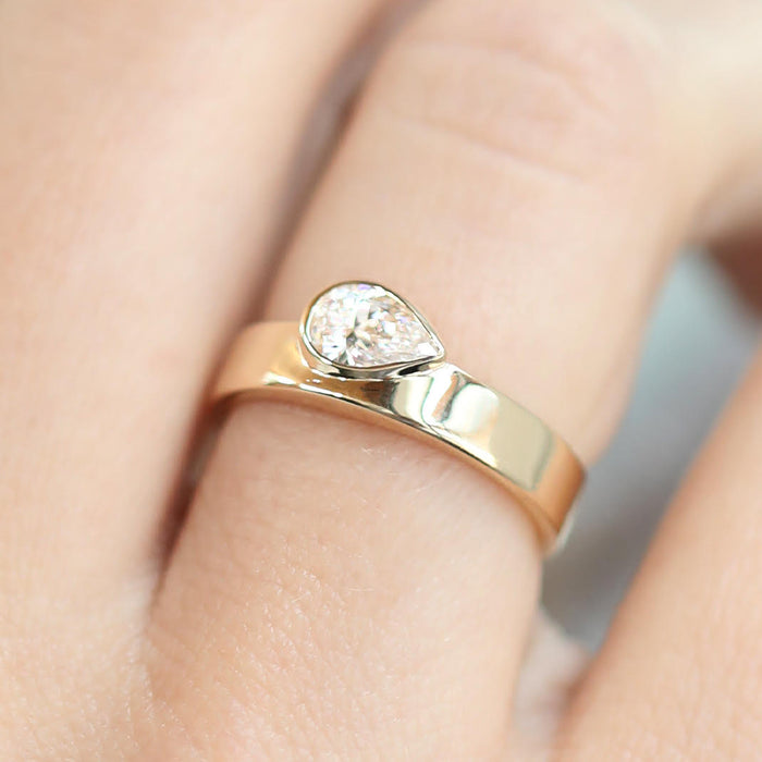 Pear Bezel Band Gold | Sarah & Sebastian hoverimage