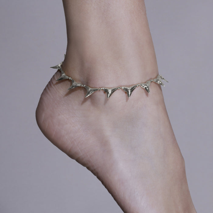 Statement Reef Shark Anklet Silver | Sarah & Sebastian hoverimage