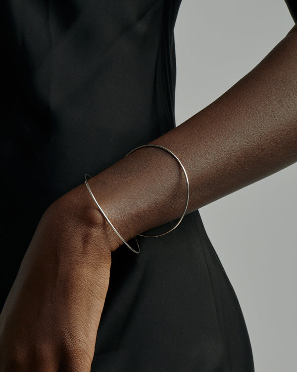 Interlinked Bangled Bangle Silver | Sarah & Sebastian onBody