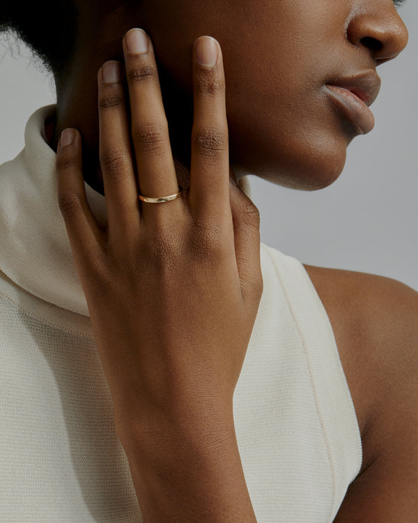 Solid Channel Ring Gold | Sarah & Sebastian onBody