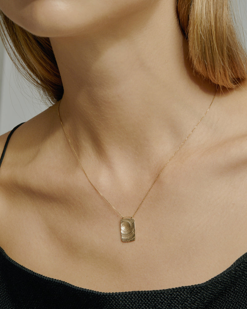 Sundial Necklace Yellow Gold | Sarah & Sebastian onBody