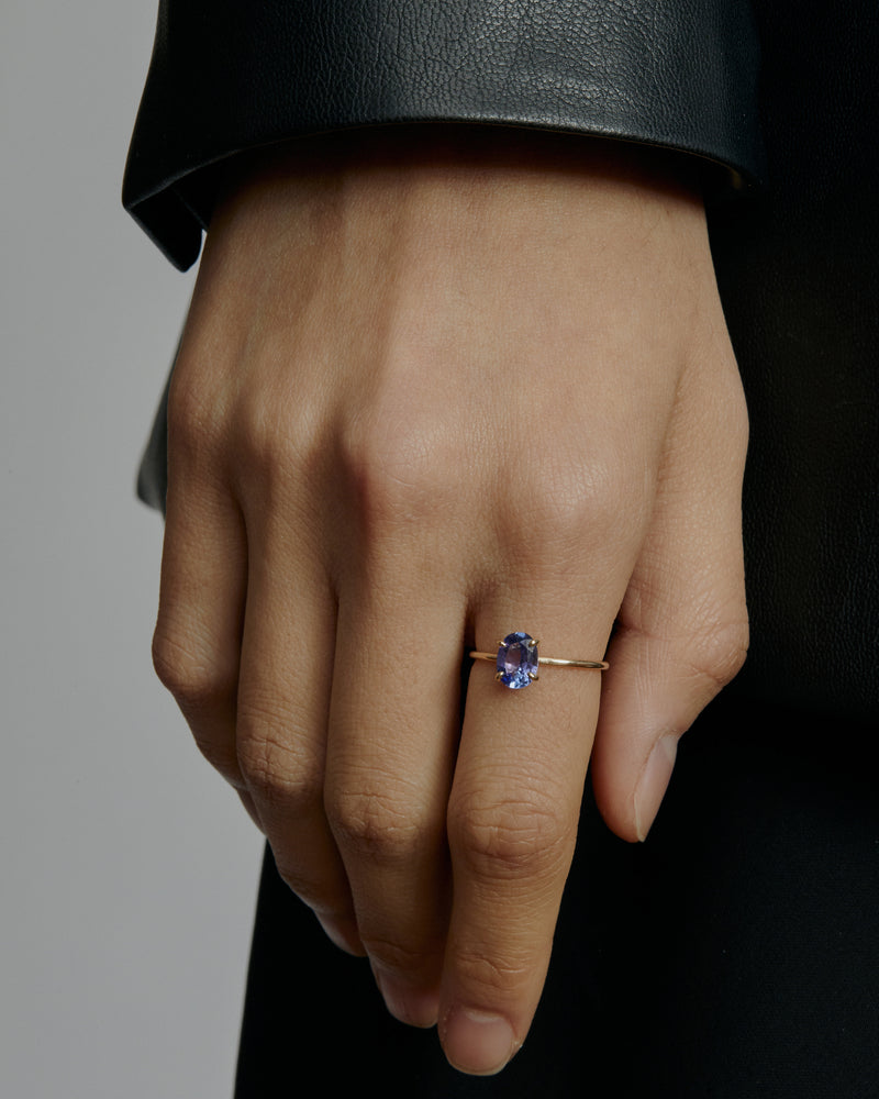 Oval Tanzanite Pin Ring | Sarah & Sebastian onBody