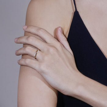 Wave Pearl Ring Gold | Sarah & Sebastian