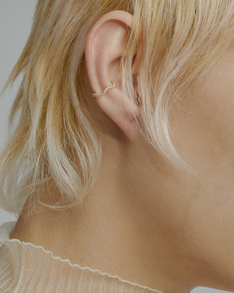 Single Wave Diamond Earcuff Gold | Sarah & Sebastian onBody