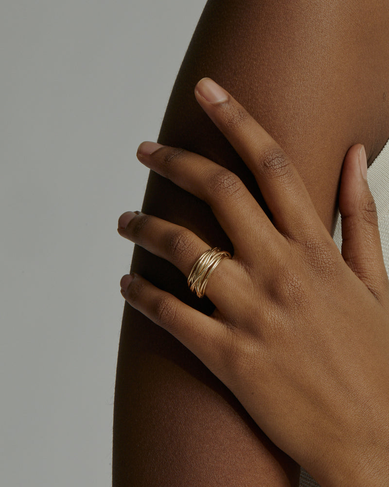 Wide Bound Ring Gold | Sarah & Sebastian onBody