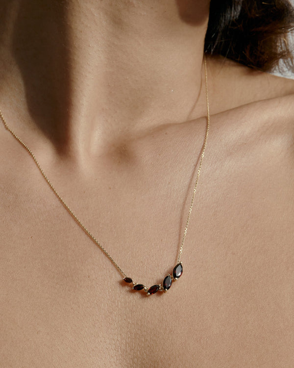 Winedark V Necklace Gold | Sarah & Sebastian onBody