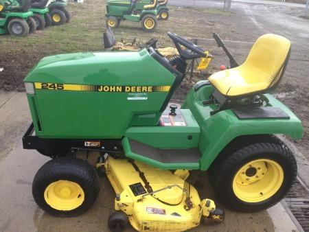 John Deere 245 and 265 Lawn and Garden Tractors Operators Manual