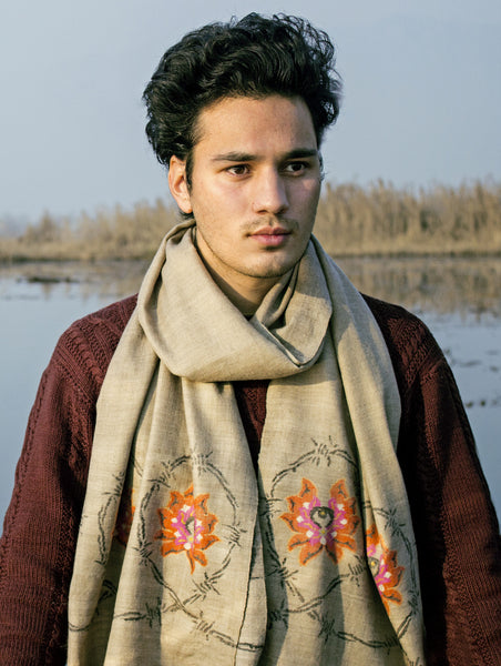 'KANI' LOTUS & BARBED-WIRE SCARF