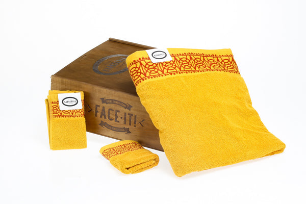 NEW Small set with 2 guest towels and a 150g soap