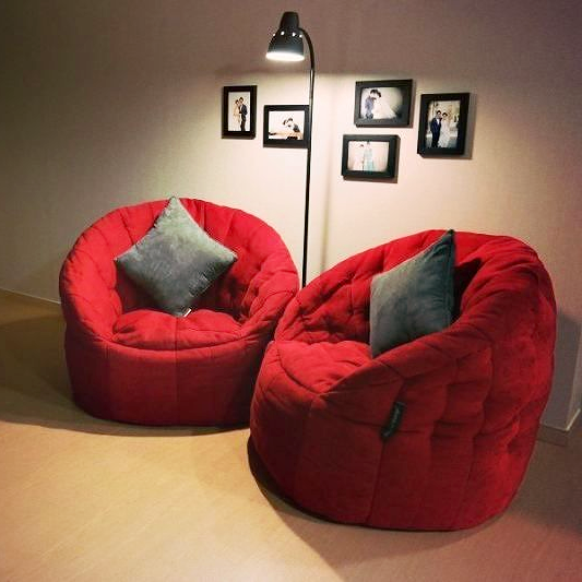 Butterfly Sofas in Wildberry Deluxe perfect for relaxation corners.