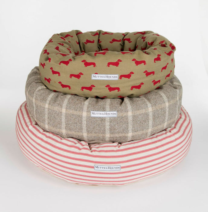 Donut Dog Bed (Cranberry)