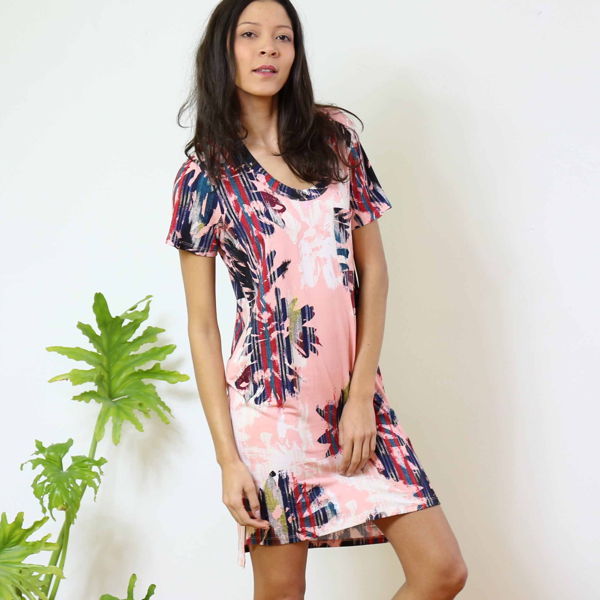 Dorchester T-Shirt Dress in Sport Your Coral Print