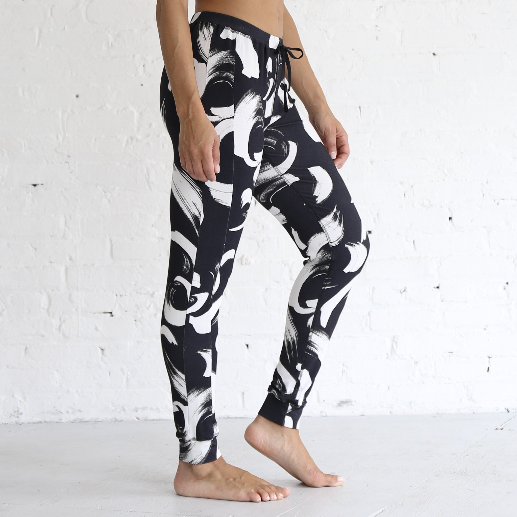 Jogger Pants in Black & White Paintbrush