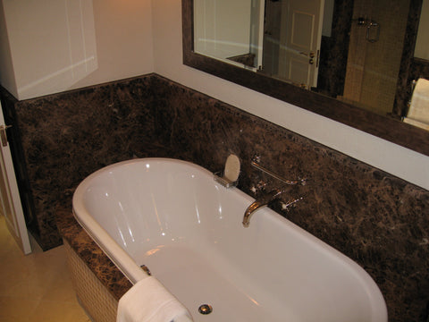 hotel-bathroom-tub