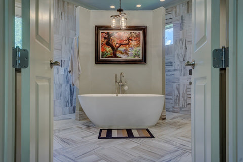 personalize-bathroom-artwork