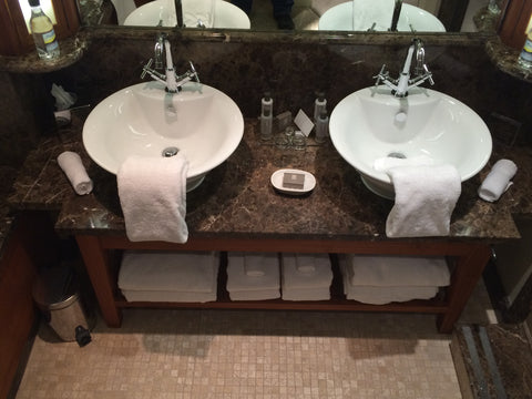 hotel-bathroom-double-sinks