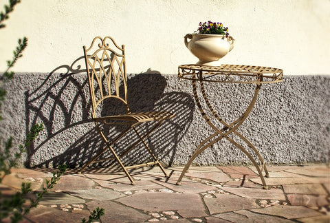 wrought-iron-chair-table