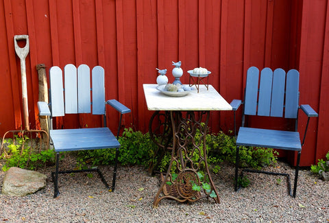 simple-patio-furniture