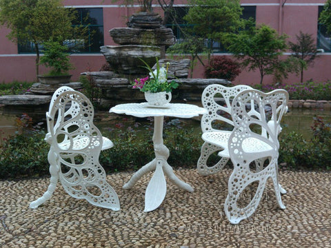 white-aluminum-furniture