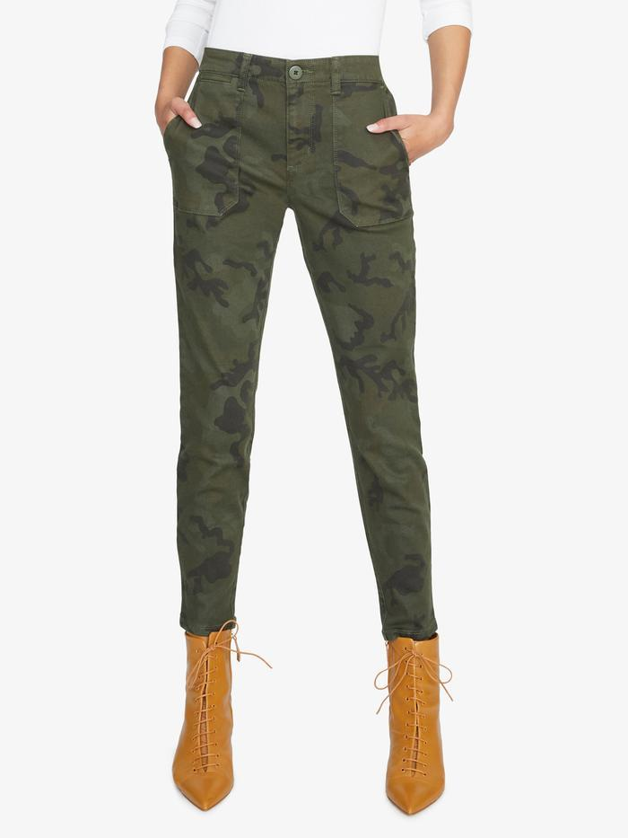 Sanctuary mineral camo chino pants