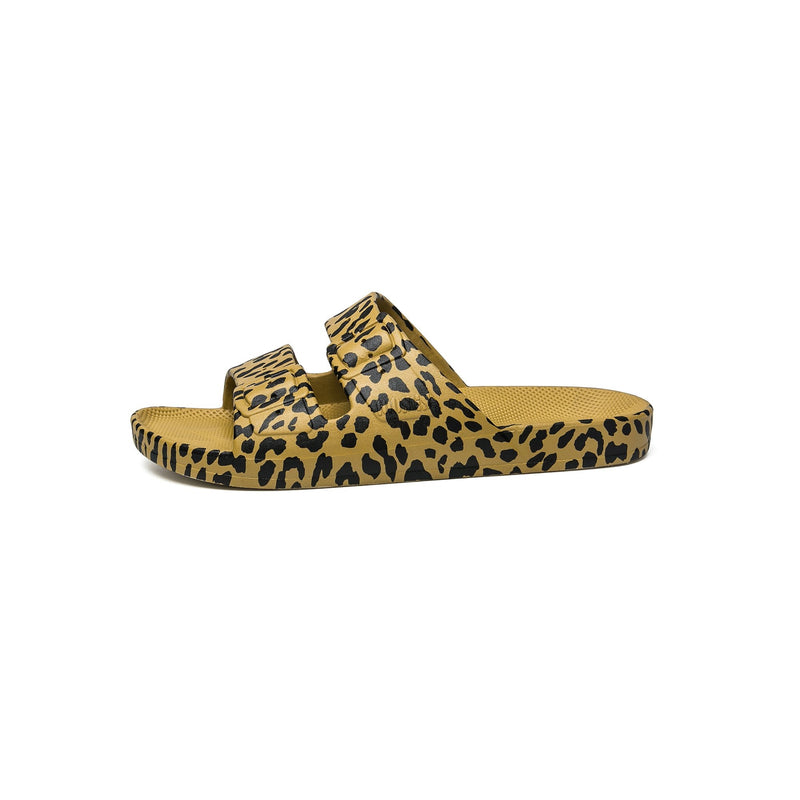 Freedom Moses Leopard print on Pistaccio slides