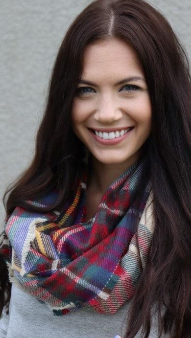 Knit infinity scarf - red