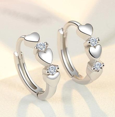 Dainty small hearts earrings