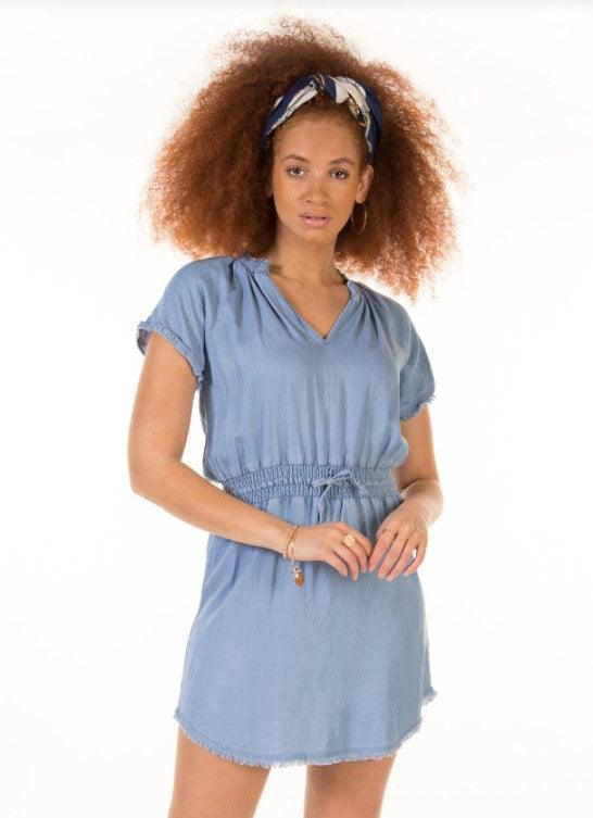Dex short sleeve frayed hem elastic waist dress - bleached blue wash
