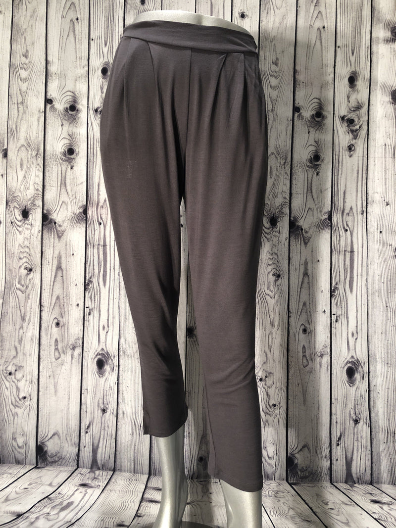 Maevy bamboo pants in grey