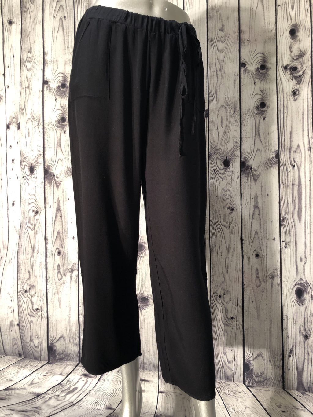 Maevy black pants with tie waist & pockets