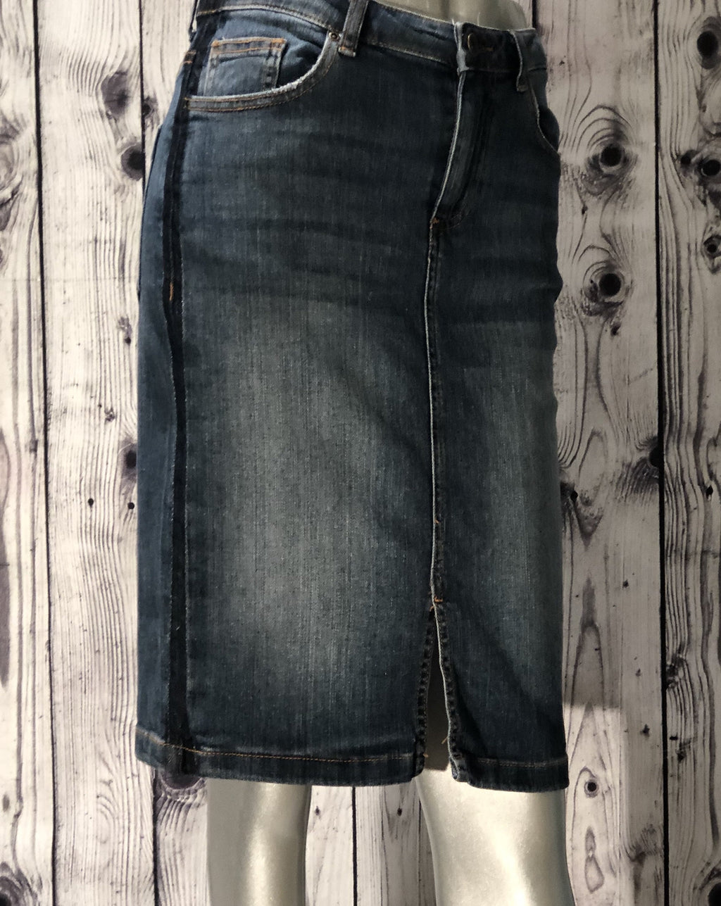 B Young antique blue denim skirt