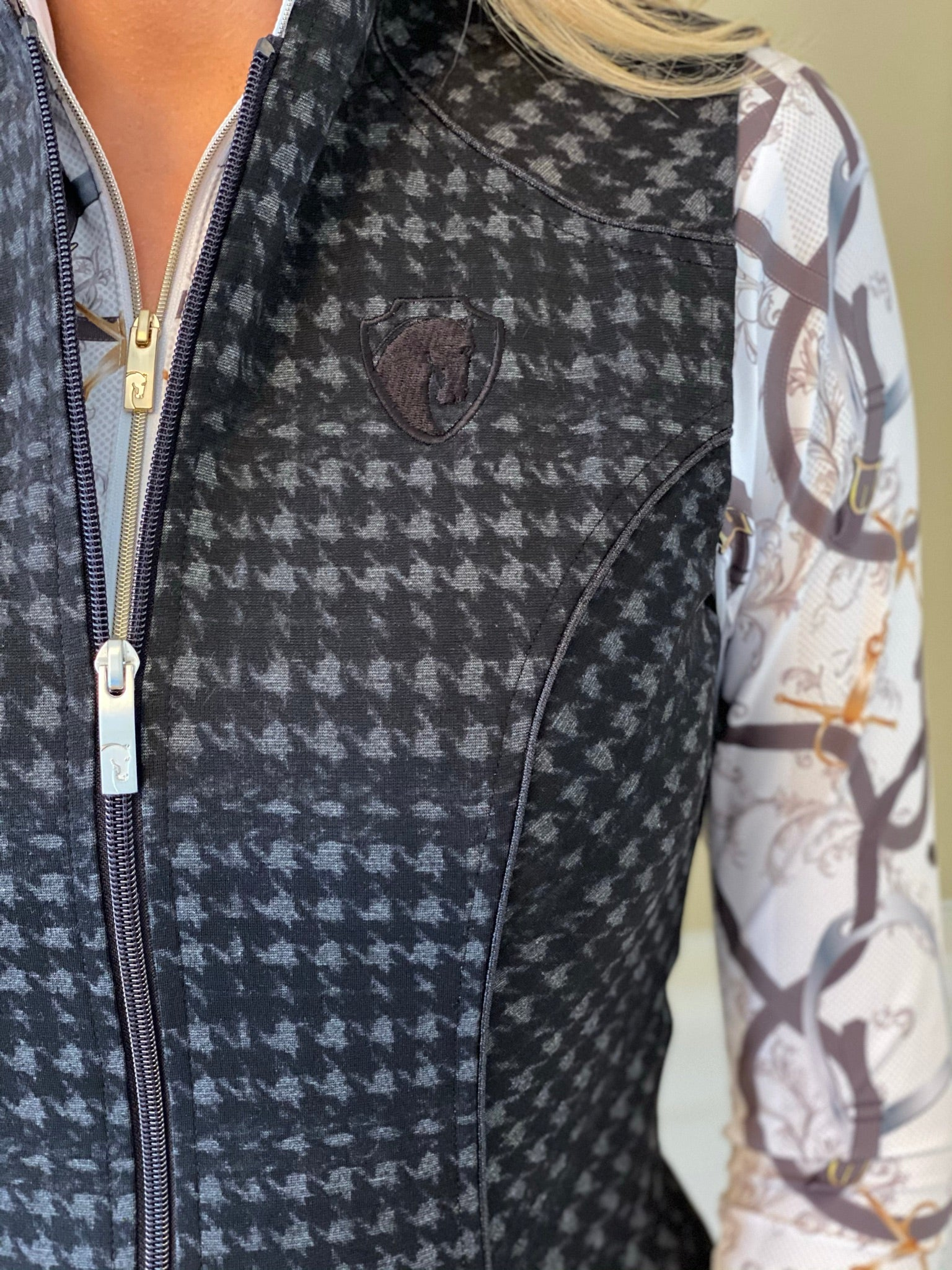 Tryon Stretch Vest in Black/Gray Houndstooth (4014)
