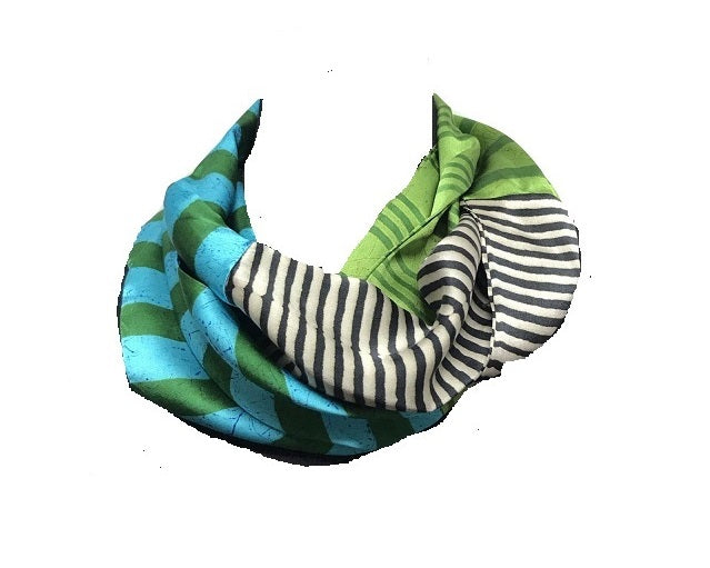 Harshita Infinity Scarf Black and White Stripe