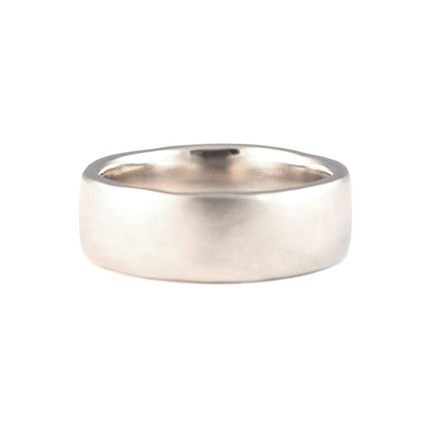 Custom Voluminous Wedding Ring