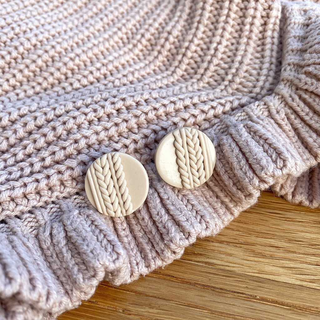 Knitted statement stud - Nude