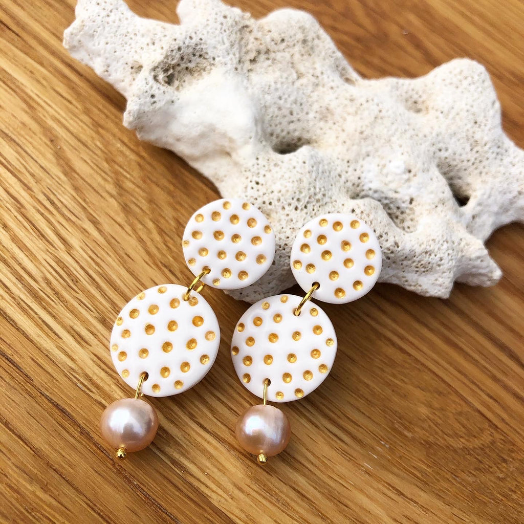 A Polka Dot Pearl - double circle shape