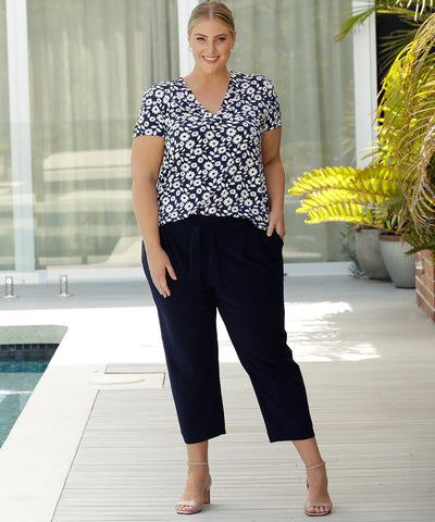 comfortable tailored navy cropped pant with pockets, soft waistband and waist ties