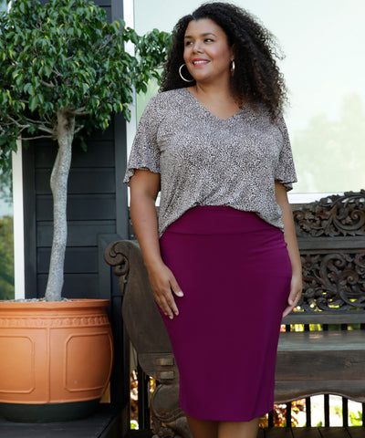 comfortable tube skirt for work or weekend in magenta
