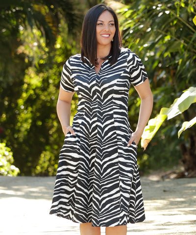 tailored dress with size pockets in zebra print