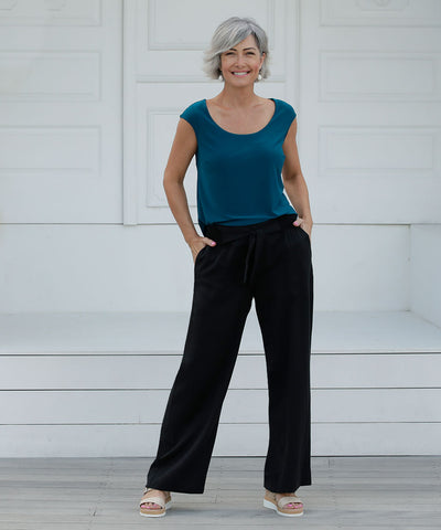 comfortable black summer pants with pockets