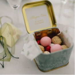 Lavolio wedding favours personalised in beautiful luxury pastel colour tin with delicious almonds candy sweets perfect occasion simple elegant bespoke handmade italian confectionery