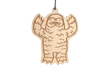 Wood Yeti Howl Dangler