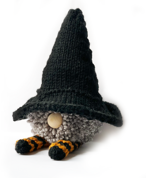 Witchy Gnome free holiday crafts knitting pattern