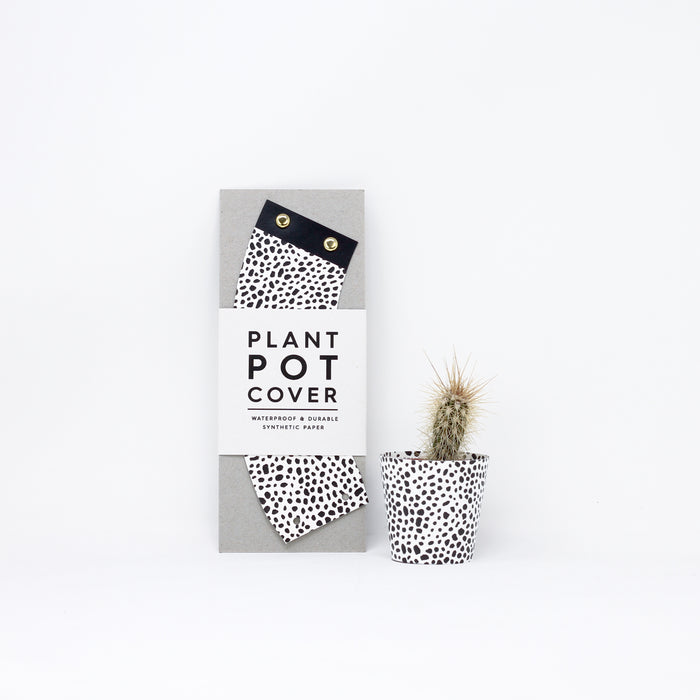 Small 'Spores' plant pot cover by Studio Wald.