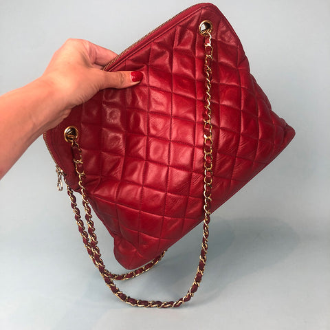 CHANEL • Vintage bag • Red